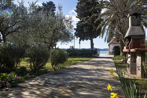 Apartments Olive Grove Inn Borik